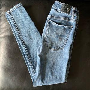 American Eagle | High Rise Skinny Jeans sz 00